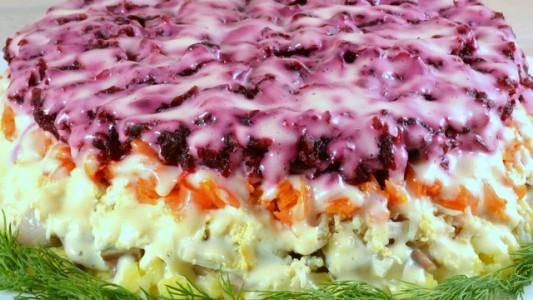 Селедка под шубой - любимый салат многих