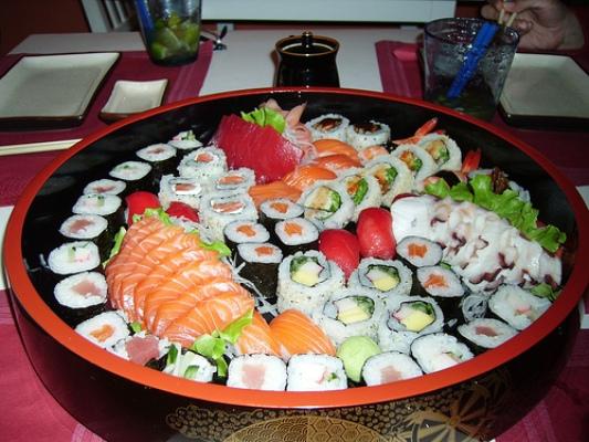 Как приготовить суши дома самому?