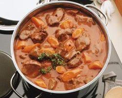 Мидии в томатном соусе с овощами