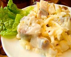 Вкусный и оригинальный салат с сельдью