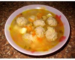 Еврейский рыбный суп с фрикадельками