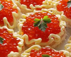 Тарталетки с начинкой из кальмаров и сыра