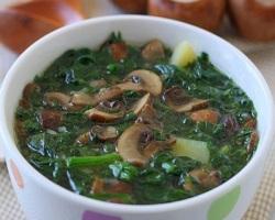 Грибной суп с фасолью и шпинатом
