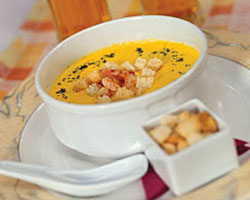 Суп сырный с креветками (олья)