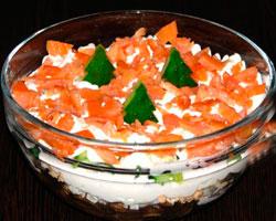 Рецепт летнего салата из копченой форели