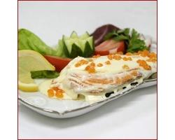Вкусная семга с овощами под соусом