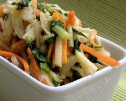 Постный салат из кальмаров с капустой