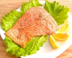 Запеченная в духовке красная рыба